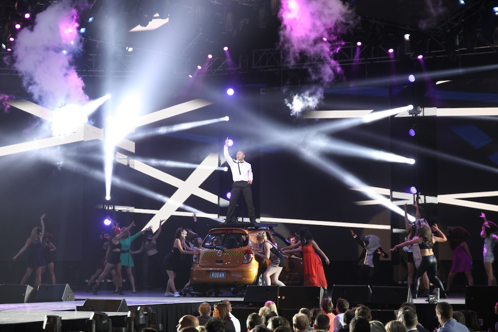 Martin Mac Viper - Resolution X - Lighting & Rigging - Vipers at the Footy Show AFL